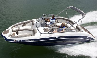 Yamaha Boat Motor Dealers In Iowa by 2011 Yamaha Sportboat 242 Limited Buyers Guide Boattest Ca