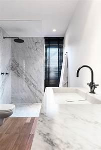 Salle De Bain Marbre Blanc : beaucoup d 39 id es en photos pour la salle de bain en marbre ~ Nature-et-papiers.com Idées de Décoration