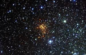 Surprise cloud around vast star | ESO  Star