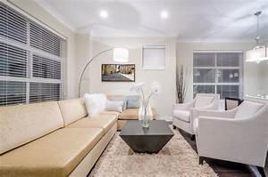 belle decoration a la maison avec le tapis shaggy blanc With tapis shaggy avec surmatelas canapé d angle