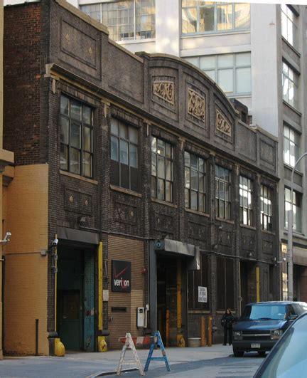 Fileparadise Garagejpg  Wikimedia Commons