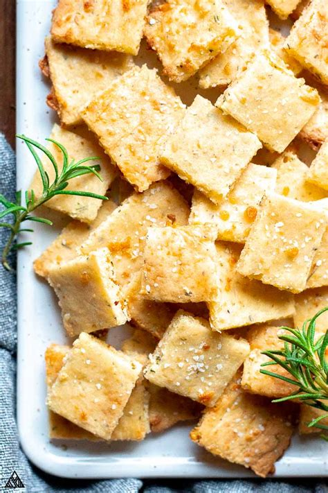 keto crackers super crisp crunchy delicious