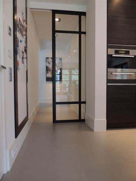 porte de cuisine en verre la porte coulissante en verre gain d 39 espace et