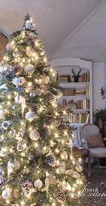 Cottage Christmas Decorating on Pinterest