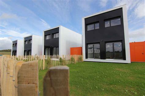 Rennes: La Maison Container, B3 Ecodesign Y Croit Dur