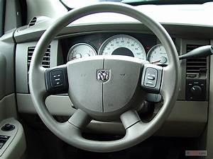 Image: 2006 Dodge Durango 4-door 4WD SLT Steering Wheel