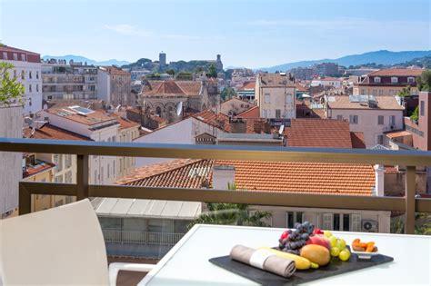 chambre ville chambre supérieure vue ville terrasse chambres et suites