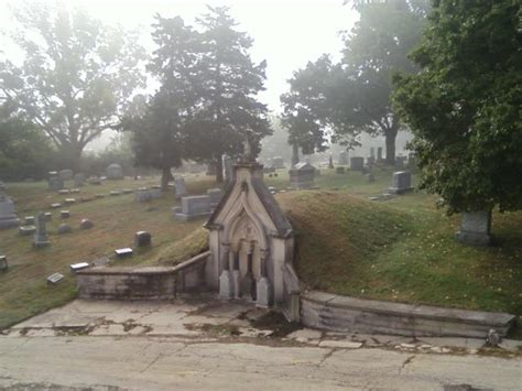evil greenwood cemetery  illinois   haunted place