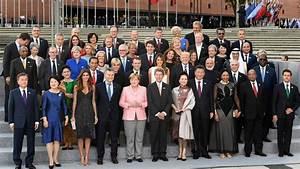 G20 summit in Hamburg. Group photo leaders at G20 ...