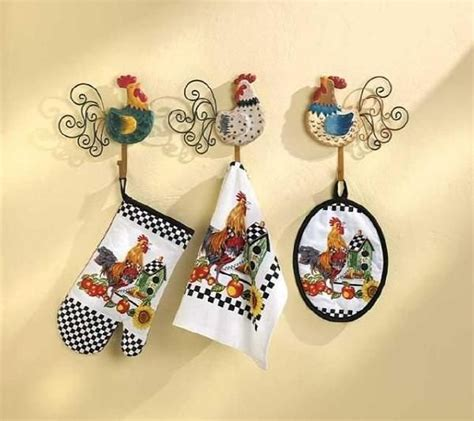 Chicken Decorating Ideas For The Kitchen by 17 Best Ideas About Rooster Decor On Chicken