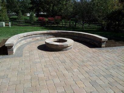 23+ Elegant Paver Patio Designs With Fire Pit