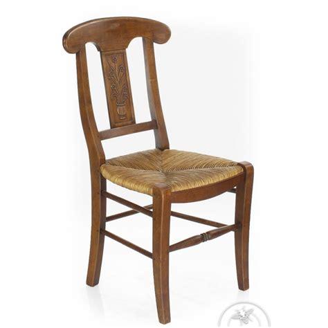 chaise bois et paille chaise ancienne bois et paille vase de fleurs saulaie