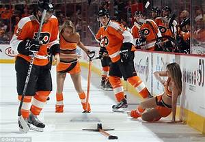 Philadelphia Flyers fans welcome back team's scantily clad ...
