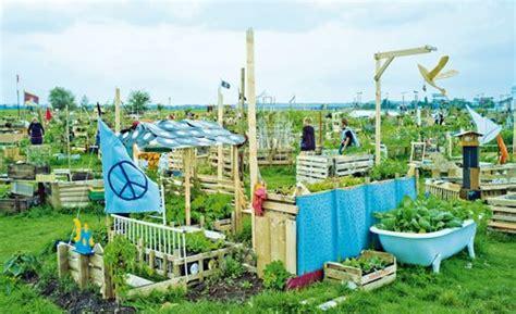 Tempelhofer Feld Berlin  Urban Gardening Pinterest
