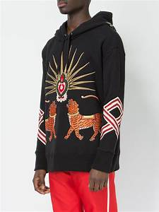 gucci tiger embroidered hooded sweatshirt in black for