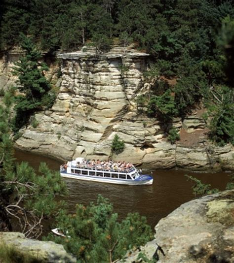 Boat Cruise Wisconsin Dells by Dells Boat Tours Sunset Dinner Cruise Showcases Wisconsin