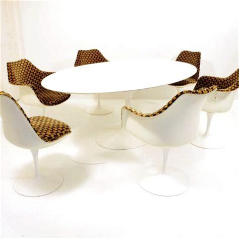 Eero Saarinen Tisch by Eero Saarinen Tisch Oval Knoll International M 246 Bel