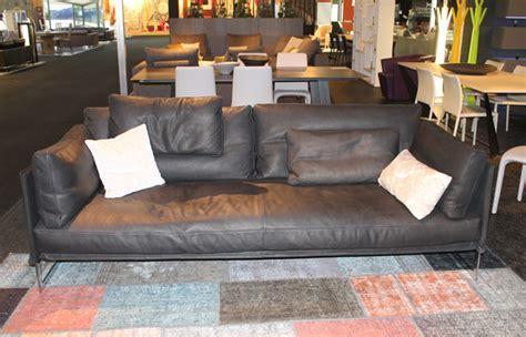 canapé 240 cm 10surdix canapé livingston 240 cm cuir noir