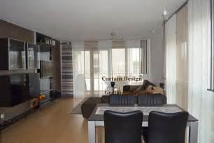 schiebegardinen schlafzimmer langer rot grauer schiebevorhang fürs wohnzimmer gardinen deko