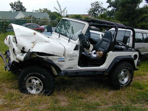 crashed jeep wrangler image gallery wrecked jeep