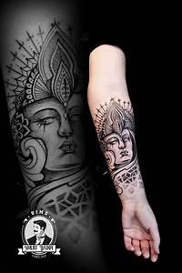 Tatouage Homme Original : tatouage bouddha bouddhisme spiritualit soleil lune id e tatoo femme homme bras avant bras main ~ Melissatoandfro.com Idées de Décoration