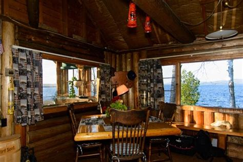 giles rental cabin  mooselookmeguntic lake