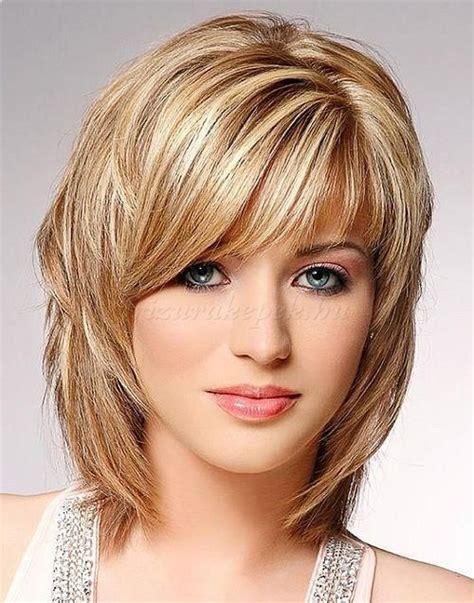 styling medium length layered hair potongan rambut pendek sebahu cewek potongan rambut 8751