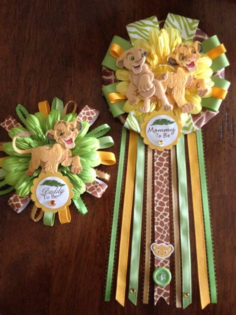 lion king mommy  daddy   corsage set