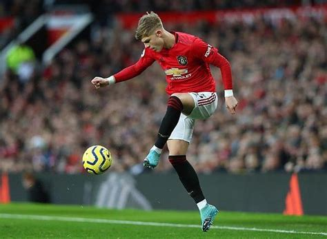 Manchester United v Burnley Preview, Predicted XI, Team ...