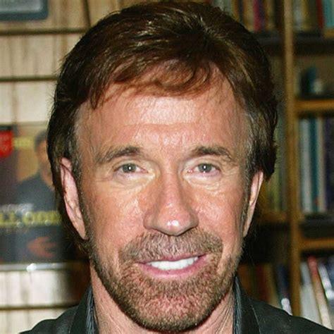 SwashVillage | Chuck Norris Biografie