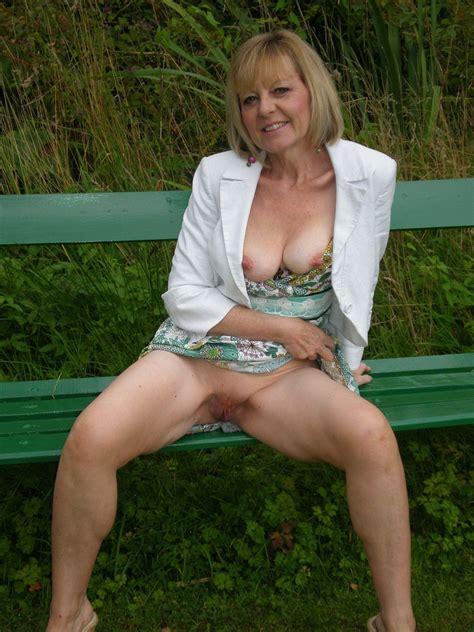 Amateur Janet A Hot Uk Gilf 02 High Definition Porn Pic