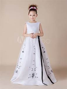 cute white embroidery sash satin organza flower girl dress With young girls wedding dresses