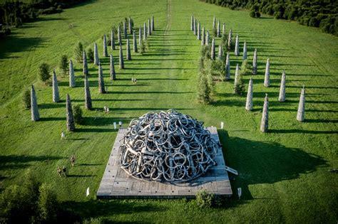 FOTO: Ko tik neizdomā. Vides mākslas objekti Krievijā ...