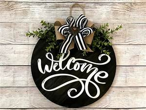 Round, Welcome, Sign, Welcome, Door, Sign, Round, Welcome, Front