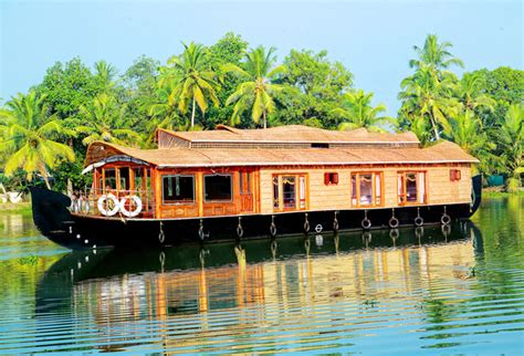 Kerala Tourism Alleppey Boat House by Luxury Houseboats In Alleppey Kumarakom Kerala Luxury