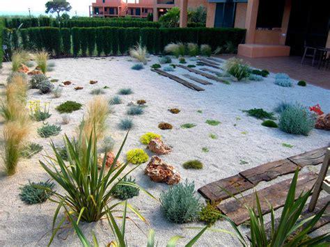 benefits    rock garden contemporist