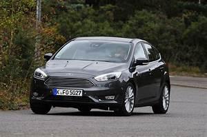 Ford Focus 1 : ford focus 1 0 ecoboost titanium x review auto express ~ Melissatoandfro.com Idées de Décoration