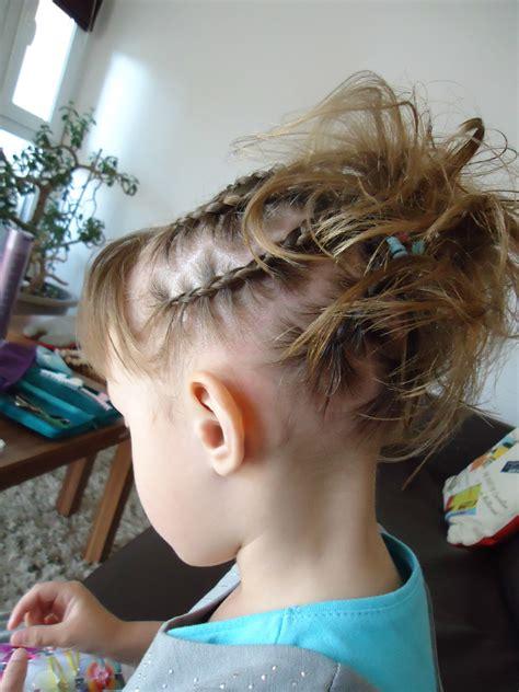 coiffure fille tresse tresses fillettes