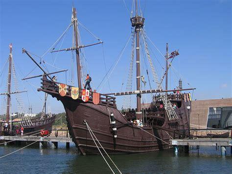 Barcos De Cristobal Colon Huelva by El Muelle De Las Carabelas En Huelva
