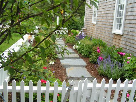 cape  saltbox vacation rental  brewster  seasons