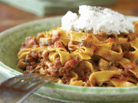 Food Recipes : Gigi Tagliatelle Bolognese
