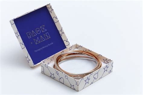 Free psd mockup to showcase your designs in modern way. Caixa de presente mock up projeto | PSD Premium