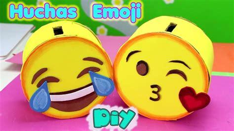 imagenes de alcancias con material reciclado huchas o alcancias emoji manualidades de emojis diy