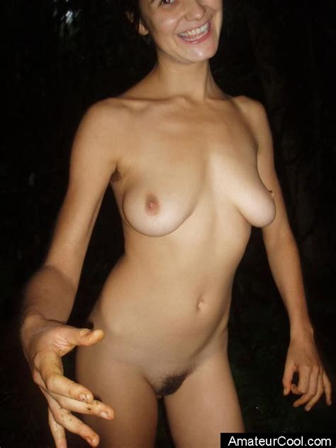 Italian girlfriend shows her hot body at the beach
