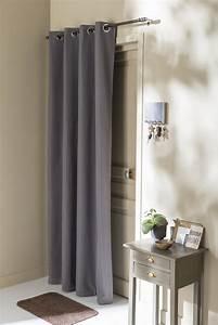 Rideau Porte D Entrée : une porte d 39 entr e avec un rideau anti froid leroy merlin ~ Dailycaller-alerts.com Idées de Décoration