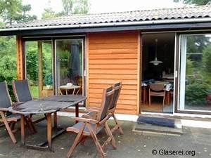 Glasschiebet ren f r terrassen verbinden naturn he mit for Glasschiebetüren für terrassen