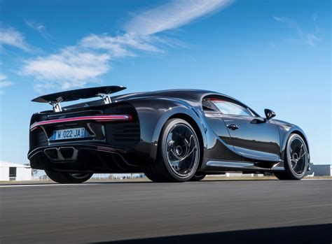 bugatti chiron sedan bugatti chiron coupe 2017 photos parkers