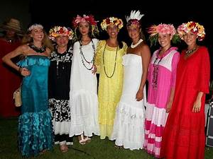 pin af maeva johanna charles pa purotu style pinterest With robe traditionnelle tahitienne