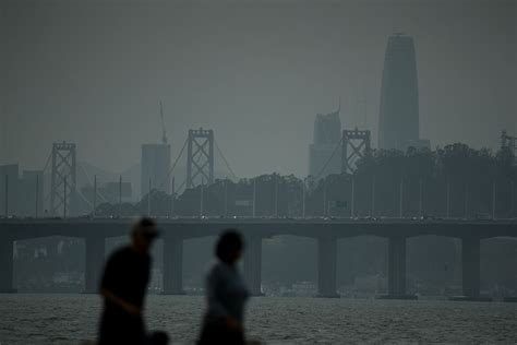 california fire smoke warning blankets san francisco bay