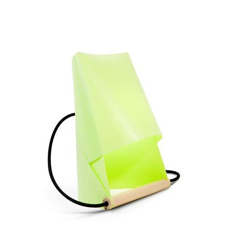 le de bureau vert anis entreautre furoshiki le de chevet et de bureau vert